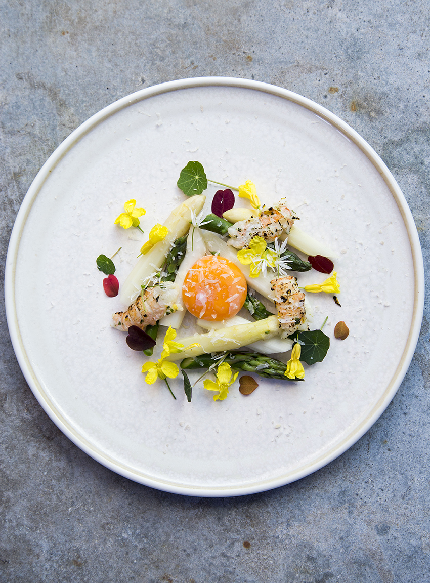 Asparges og æg
