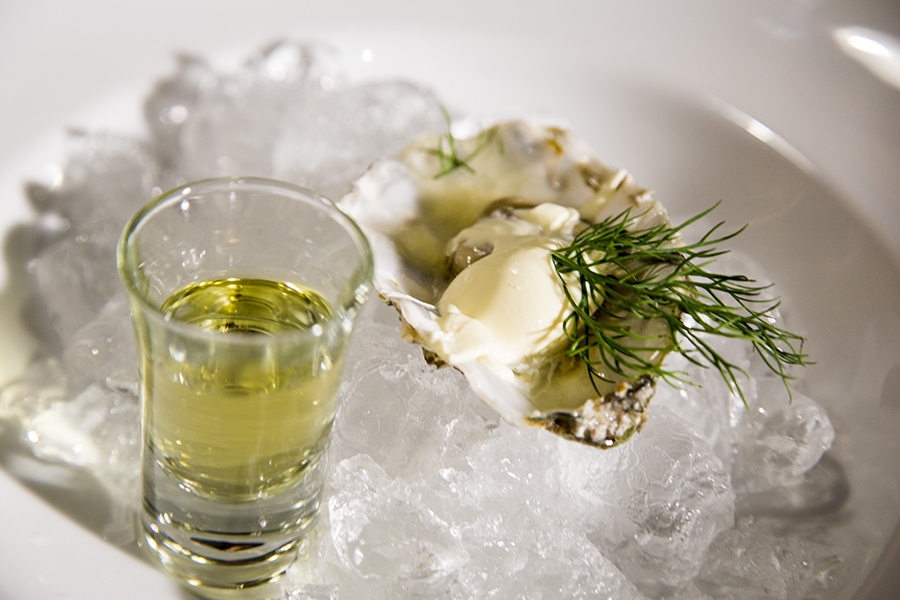 oesters-med-dild-snaps